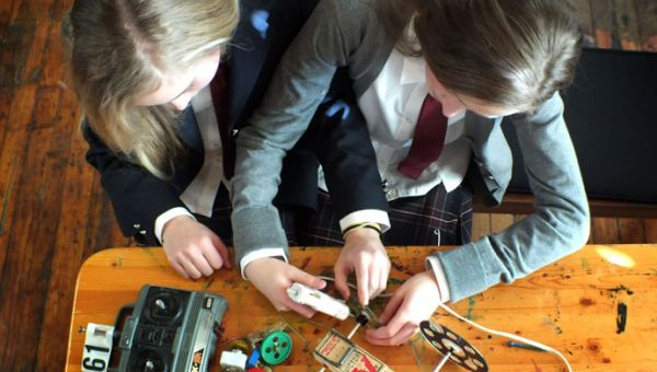 Leahurst College students building cars